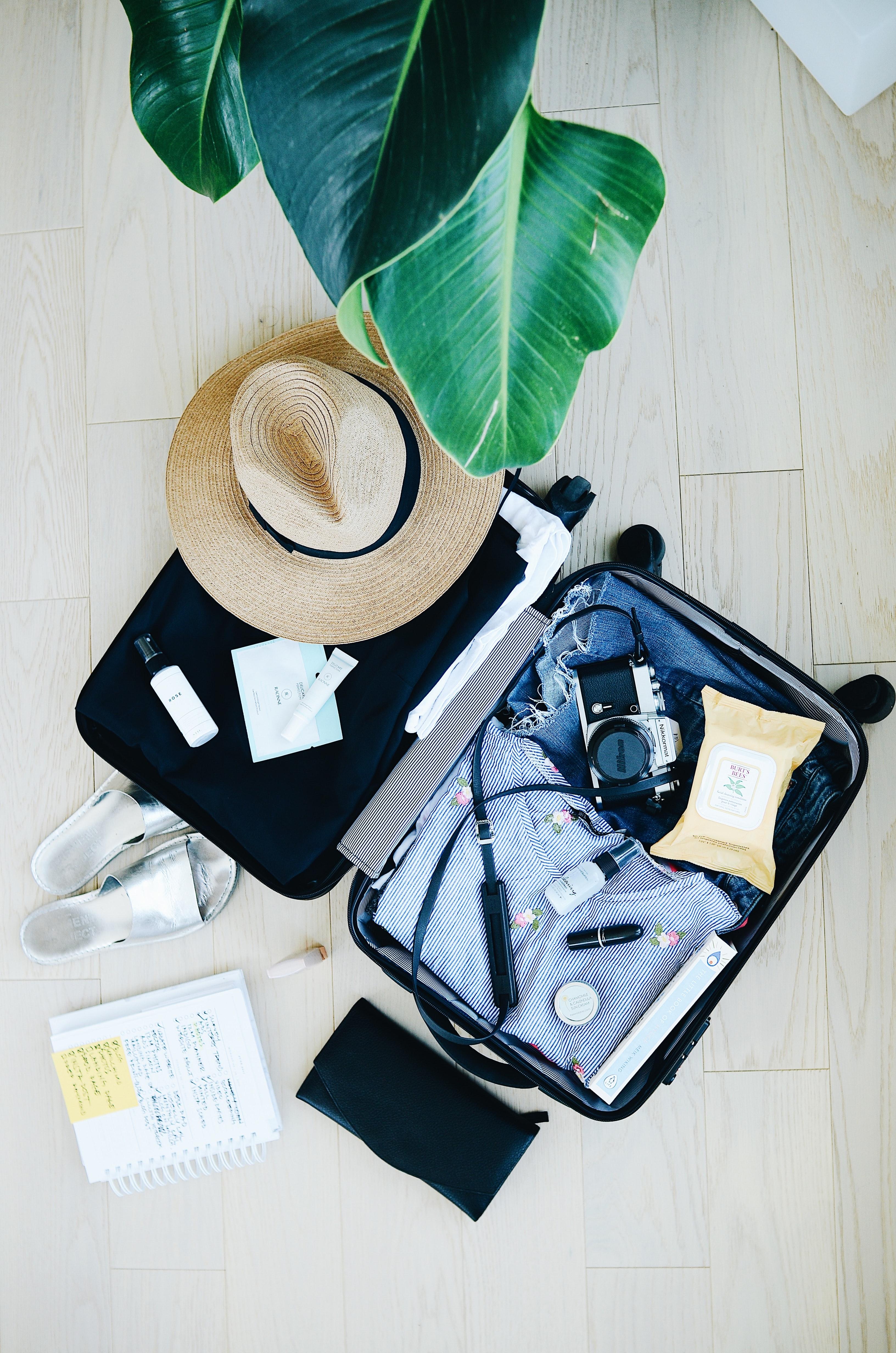 vlaamse-jeugdherbergen-suitcase