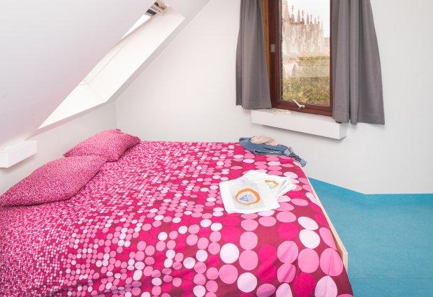 Tweepersoonskamer met dubbel bed