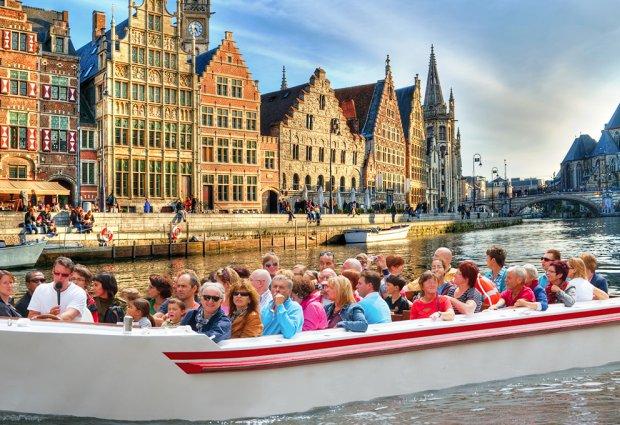 Hop on hop off watertram in Gent