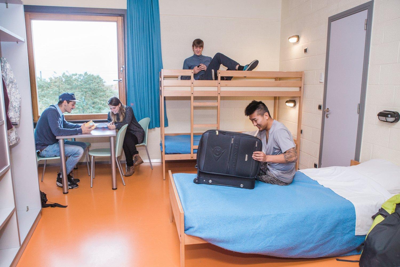 Jongeren in een meerpersoonskamer