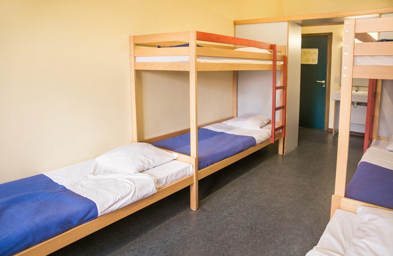 Chambre partagée avec lits superposés