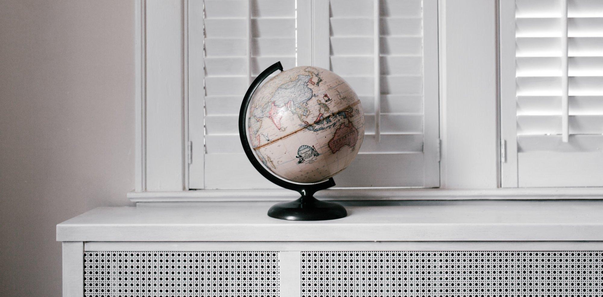 vlaamse-jeugdherbergen-andrewneel-globe