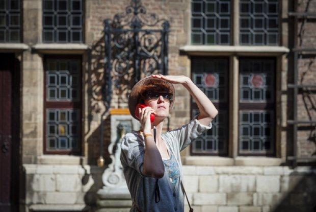 Toerist bezoek de tuin van het Rubenshuis - Antwerpen Barok 2018